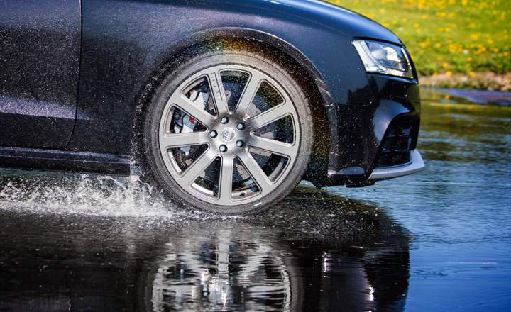 Ways to prevent Hydroplaning