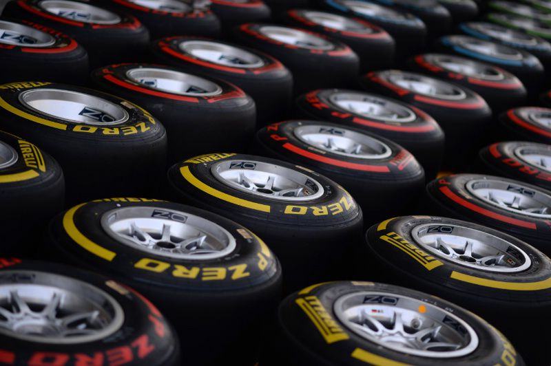 Pirelli in lead over Michelin to become F1's sole tyre supplier for 2017