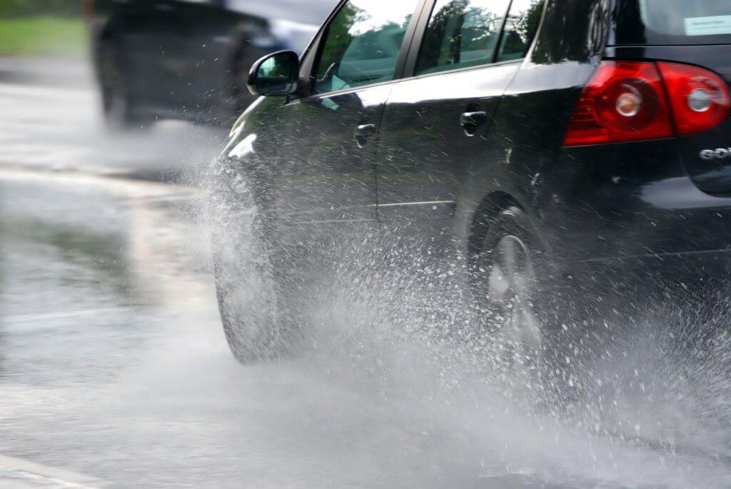5 Tyre tips to stay safe while driving in the rain
