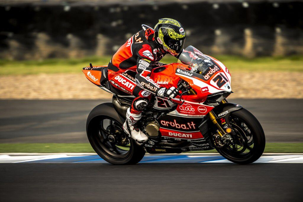 Ducati Superbike Team successfully tests new Pirelli tyres