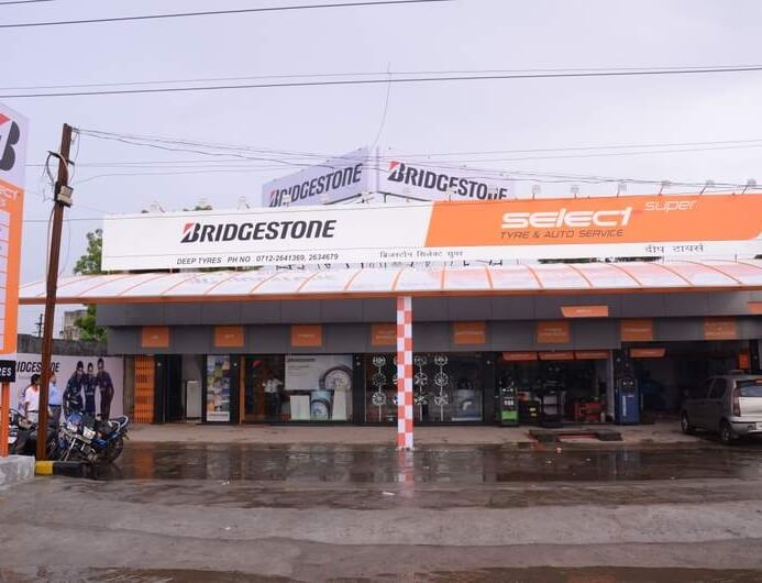 Bridgestone's 500th family channel store in Pune.