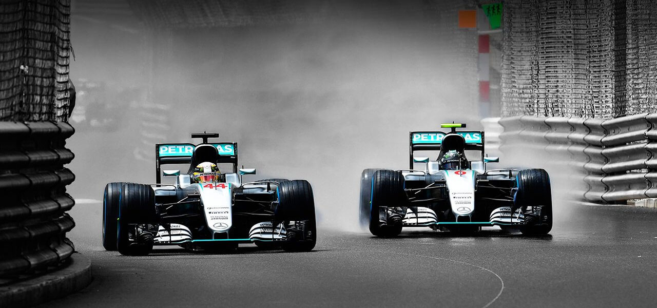 Nico rosberg and lewis hamilton of mercedes to test for Mercedes benz f1 drivers